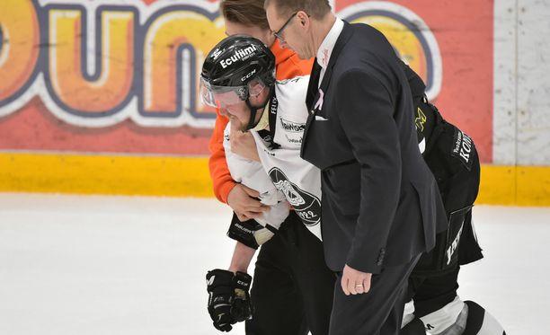 Ilkka Pikkaraisen kausi päättyi torstain Sport-vieraspelissä sattuneeseen loukkaantumiseen.