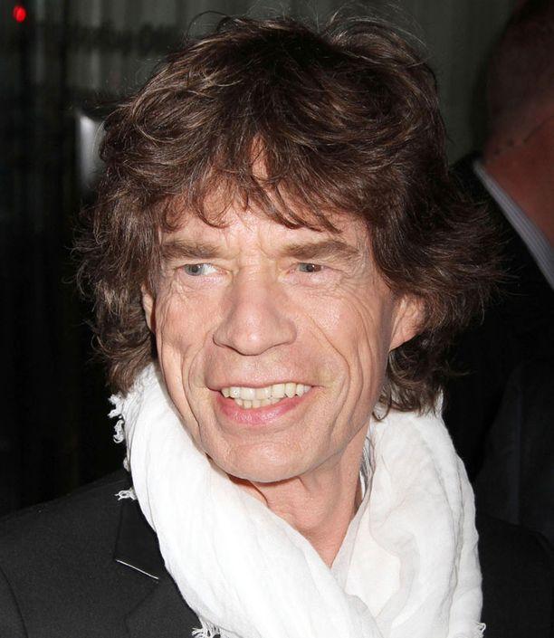 Hallin mukaan Jagger vaihtoi yhden addiktion toiseen.
