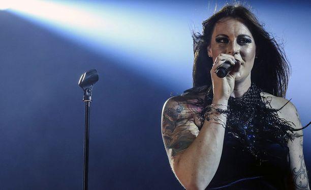 Floor Jansen ja muut Nightwishin jäsenet ovat parhaillaan kiertueella Yhdysvalloissa.