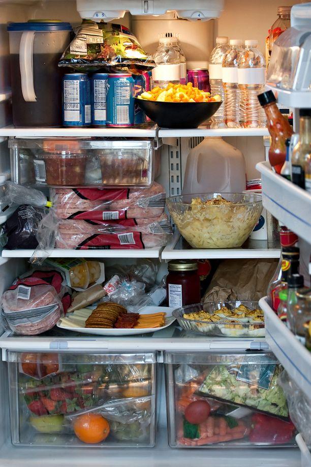 Näin täysi jääkaappi ei enää palvele, vaan jopa lisää kuluja.