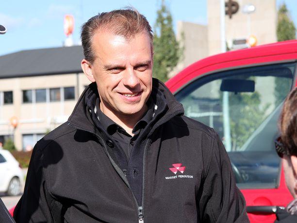 Juha Pylväs on keskustan toisen kauden kansanedustaja Ylivieskasta.