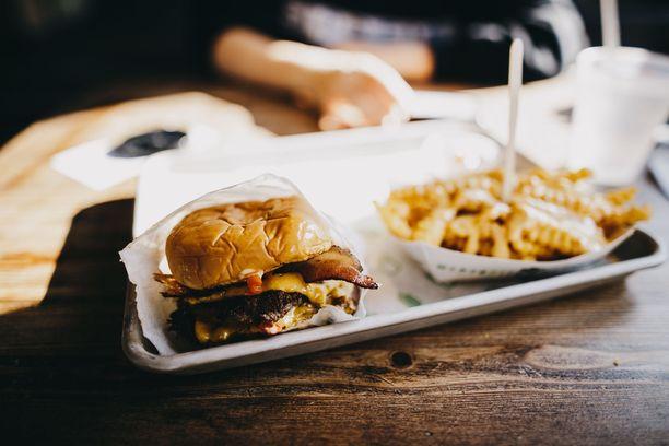 Syöpäriskiä nostaa muun muassa vääränlainen ruokavalio.