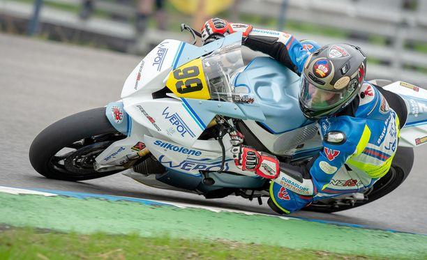 Danny Webb ajoi uuden rataennätyksen Imatralla.