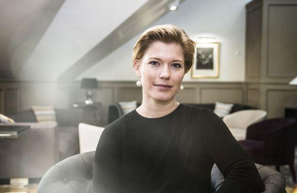 Aktian pääekonomisti Heidi Schauman on huolissaan julkisen talouden tilanteesta.