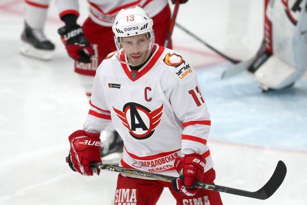 Avtomobilist-kapteeni Pavel Datsjuk pohtii uransa jatkoa.