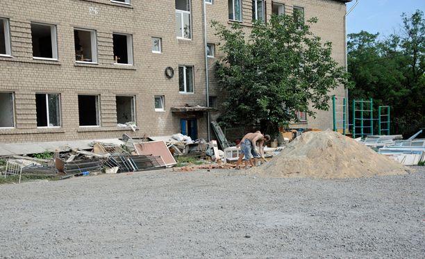 Yhteen Azov-pataljoonan tukikohdista tehdään suurta remonttia, jotta tilat olisivat myös talviasuttavat.