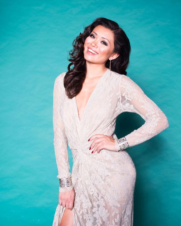 Shirly sai Miss Suomi -kruununsa vuonna 2016.