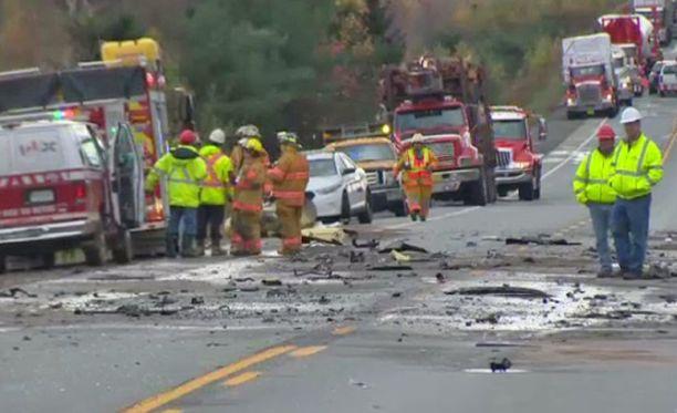 Highway 103 on yksi Kanadan vaarallisimmista teistä. Tämä onnettomuus tapahtui vuonna 2014.