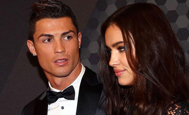 Cristiano Ronaldon bokserit eksyvät jatkuvasti tyttöystävä Irina Shaykin vaatekaappiin.