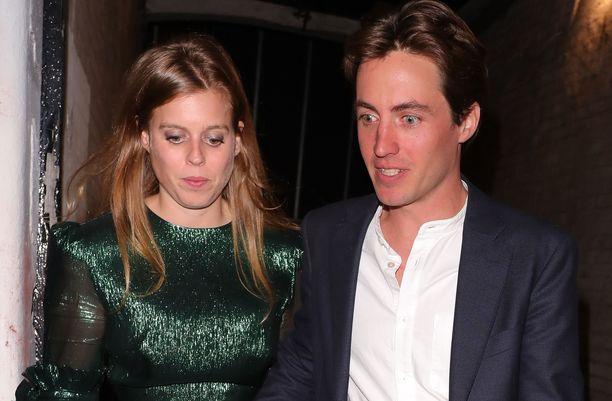 Prinsessa Beatrice ja  Edoardo Mapelli Mozzi menivät syksyllä kihloihin.