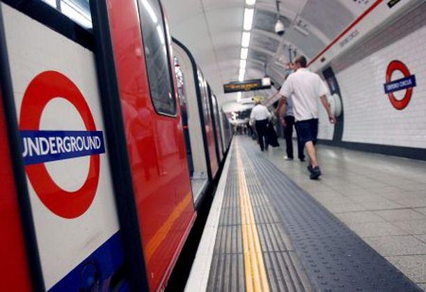 Terroristien tukijoita pelätään työskentelevän myös Lontoon metron palveluksessa.