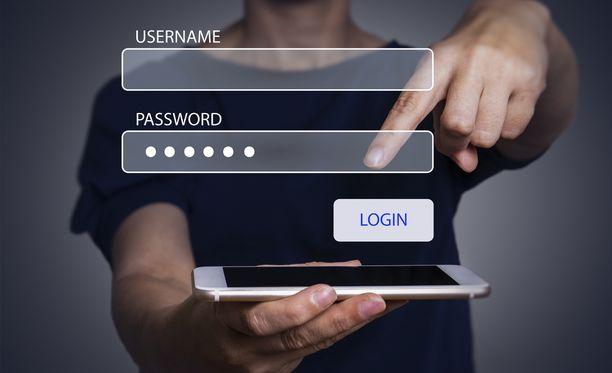 Samaa salasanaa ei kannata käyttää useissa palveluissa.