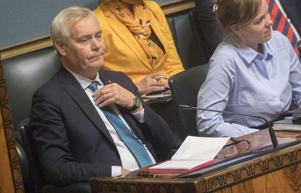 Pääministeri Antti Rinteellä (sd) on menossa piinaviikko hallituskriisin takia.