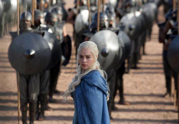 Game of Thrones on yksi kaikkien aikojen suosituimpia tv-sarjoja. Sitä on jäljellä todennäköisesti enää kaksi tuotantokautta. Kuvassa yksi sarjan sankareista, lohikäärmekuningatar Daenerys Targaryen.