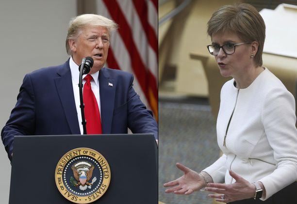 Yhdysvaltojen presidentti Donald Trump (vas.) ja Skotlannin pääministeri Nicola Sturgeon (oik.).