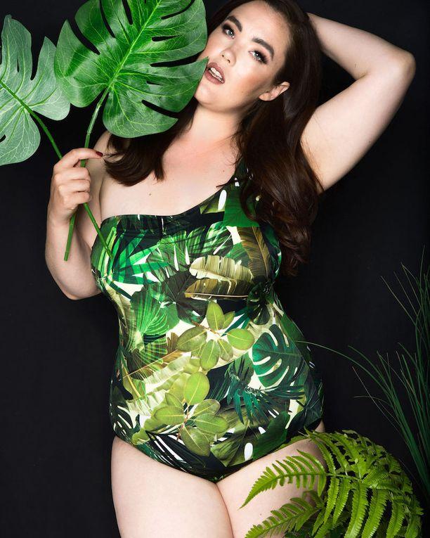 Villit luontoprintit näkyvät kaikessa kesämuodissa, niin uikkareissakin. Uimapuku Funky Lady.