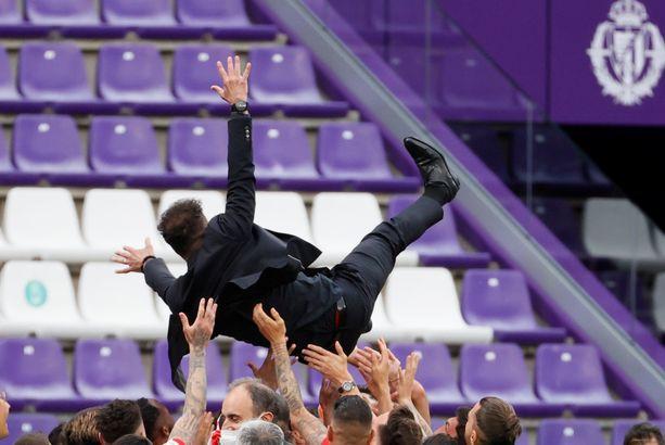 Diego Simeone oli juhlittu sankari, kun Atletico Madrid voitti mestaruuden.
