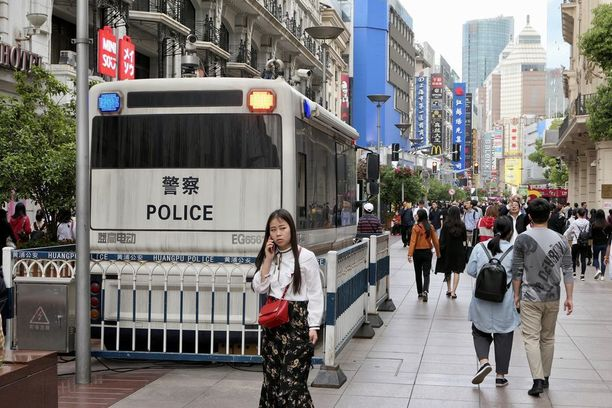 Kiinan hallitus haluaa valvoa kaikkea, mitä kansalaiset tekevät.