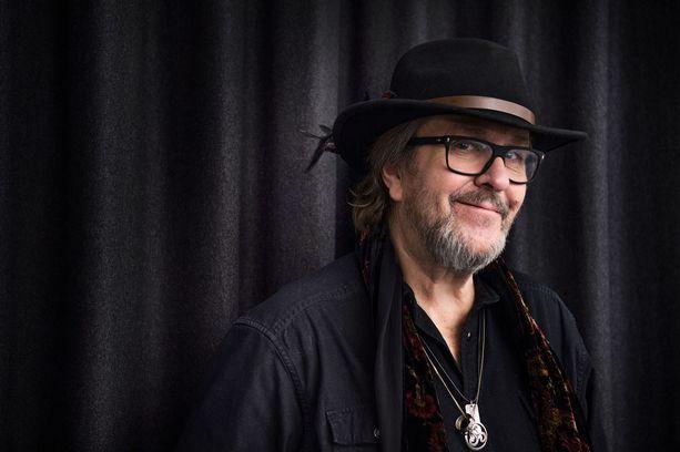 Laulaja Hector eli Heikki Harma heittää kesän ainoan keikkansa Ringo Starrin kanssa samassa konsertissa.