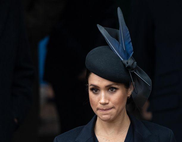 Sussexin herttuatar Meghan ei tiettävästi ole metsästyksen ystävä. Kuningasperheen jäsenenä hän joutui ottamaan osaa perinteiseen jahtiin.