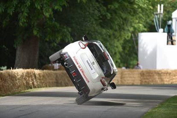 Ennätyskokeen autona oli Nissan Nismo RS, joka on sarjatuotantoauto.