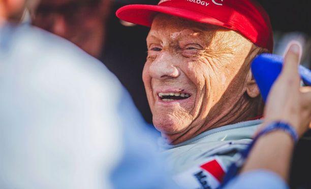 Niki Lauda on kuuleman mukaan jo oma rempseä itensä sairaalassa.