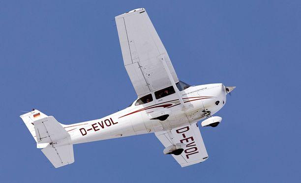 Mysteerikone oli malliltaan samanlainen Cessna 172 kuin kuvan kone.