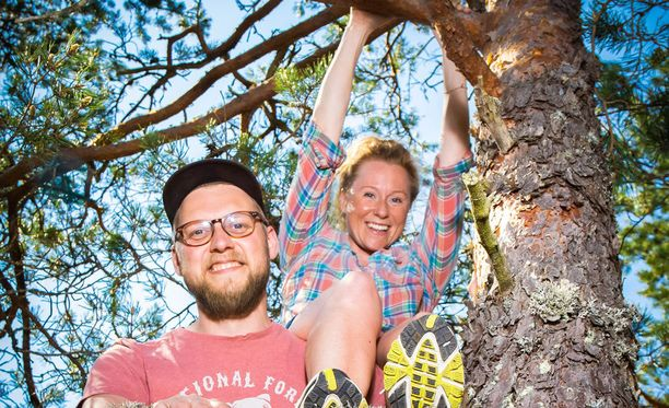 Markku Sipi ja Minttu Heimovirta samoilevat metsissä ja etsivät puulajeista vastineita julkkiksille.