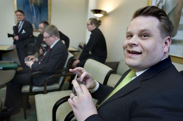 Kari Jääskeläinen kuvattuna vuonna 2007. Hän on pitkän linjan keskustavaikuttaja.