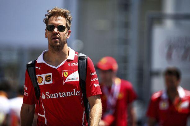 Sebastian Vettel vietti Pariisissa 30-vuotissynttäreitään.