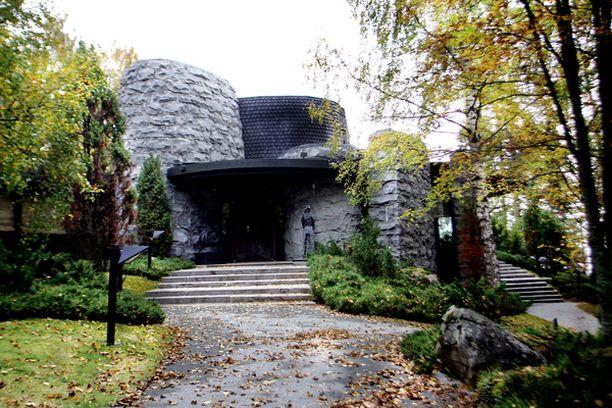 Ylöjärvellä sijaitsevassa Villa Urpossa on puolentoista miljoonan euron arvoinen taidekokoelma. Kiinteistö on arvioitu kolmen miljoonan euron arvoiseksi.