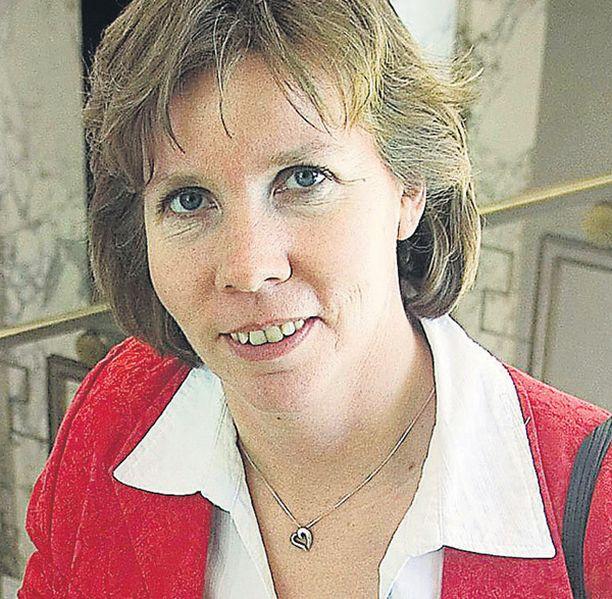 Kansanedustaja Anna-Maja Henriksson nosti Ahvenanmaan aseman keskusteluun.