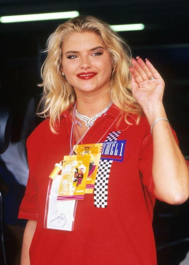 Anna Nicole vuonna 1994.