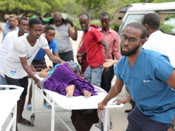 Mogadishun Elite-luksushotelliin tehdyssä iskussa sai surmansa ainakin 11 ihmistä ja liki 30 loukkaantui.