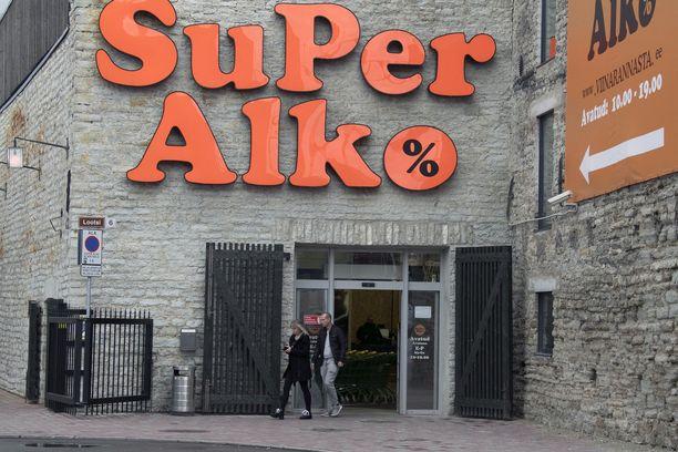 SuperAlkon omistaja lupaa, että halvimman olutsalkun hinta painuu veroalen myötä alle 12 euroon.