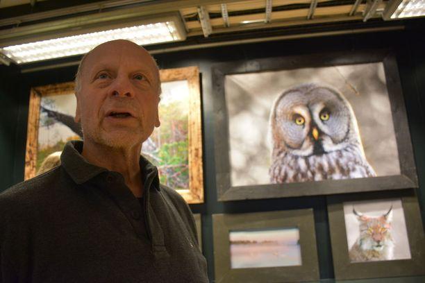 Jaakolalla on paraikaa suomalaista luontoa esittelevä näyttely Tromssan kirjastossa.
