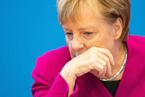 Merkelin kristillisdemokraatit ja sen sisarpuolue CSU ovat olleet viime vaaleissa vaikeuksissa.