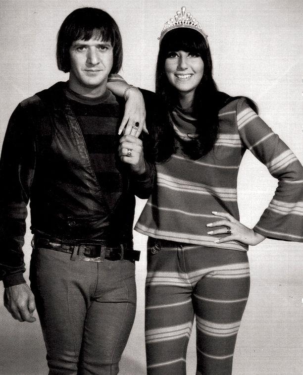 Cher oli 60-luvulla suosittu artisti duokumppaninsa Sonnyn kanssa.