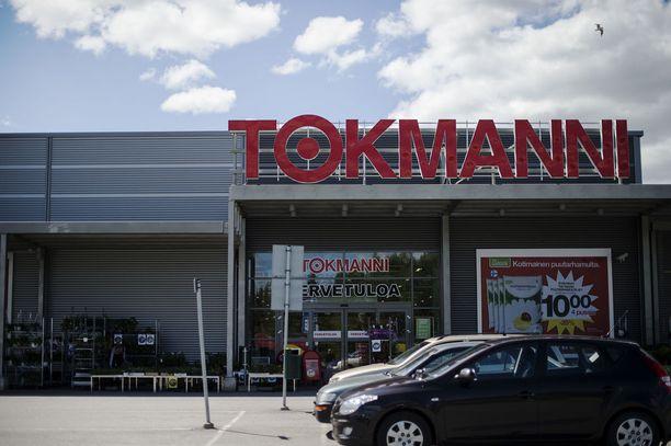 Äidin mukaan poika osti kaasupullot Tokmanni-tavaratalosta. Kuvituskuva.