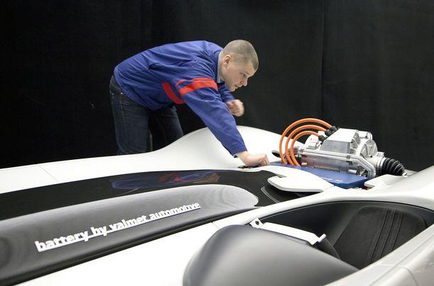 Kehittyneiden akkujen valmistus on Valmet Automotiven uusi ovi autovalmistajien maailmaan.