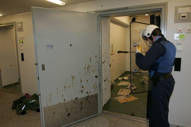 Vuonna 2005 syttyneessä kapinassa ryhmä vankeja tuhosi uudet sellinsä, minkä jälkeen protestointi jatkui ulosteiden heitoilla. Vartijat joutuivat turvautumaan suojavarustuksiin taltuttaessaan riehujia.