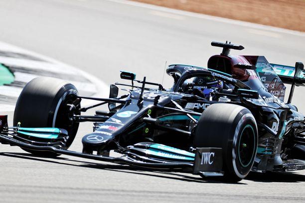 Lewis Hamilton olisi halunnut säästellä moottoriaan.
