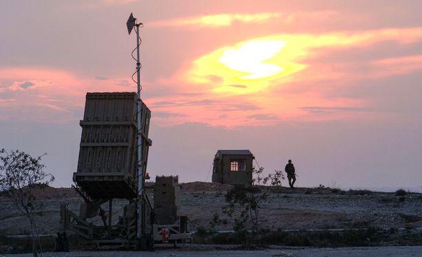 Israelin armeijan ohjusten torjuntaan tarkoitettu Patriot-ohjuspatteristo Be'er Shevassa. Arkistokuva.
