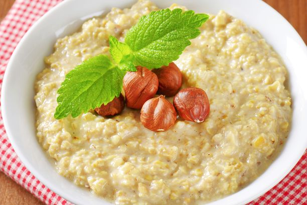 Ravinnon kuitu estää jonkin verran kolesterolin imeytymistä suolesta. Erityisesti kauran sisältämä beetaglukaani on tässä suhteellisen tehokas