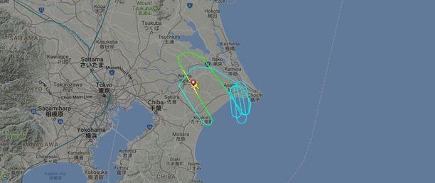 Flightradar24-palvelussa näkyy, kuinka Finnairin lento kierteli ympyrää noin tunnin ajan ennen paluutaan lähtökentälle.