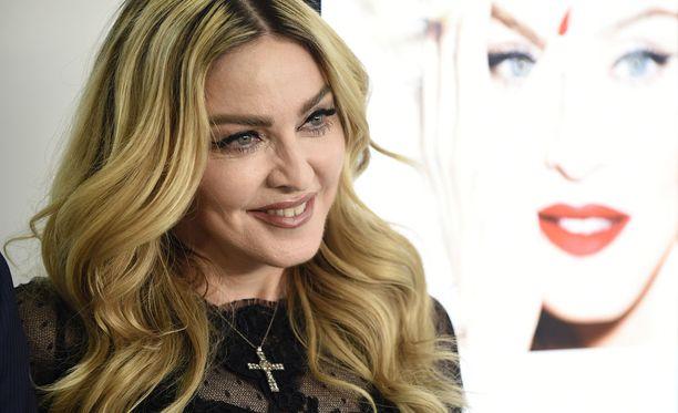 Madonna haluaa menestyä myös kameran toisella puolella.