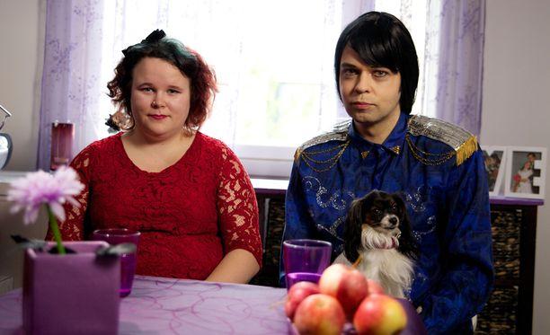 Miranna ja Jarkko söpöstelevät yhä kuin vastarakastuneet.