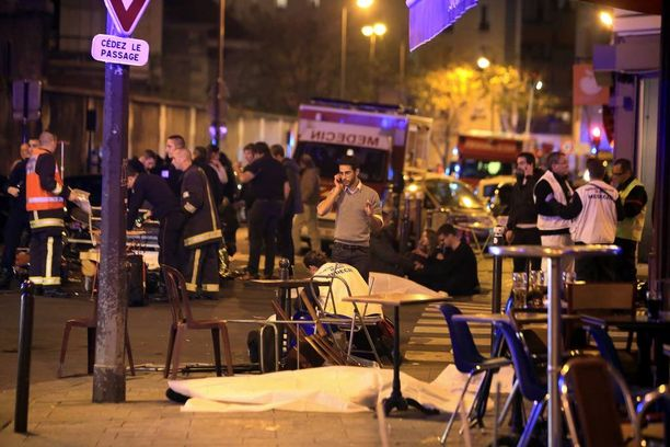 Pariisiin perjantaina tehdyissä terrori-iskuissa kuoli 129 ihmistä.