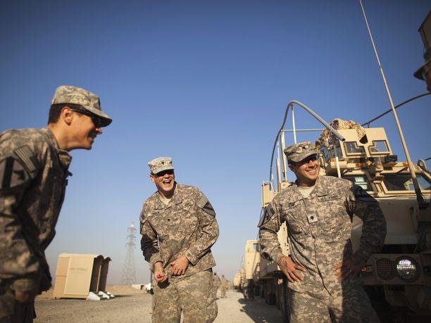 Yhdysvaltain johtama koalitio keskeyttää toistaiseksi äärijärjestö Isisin vastaiset operaatiot.