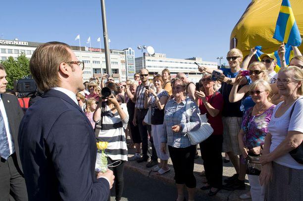 Kuopiolaiset ottivat Danielin ilolla vastaan.
